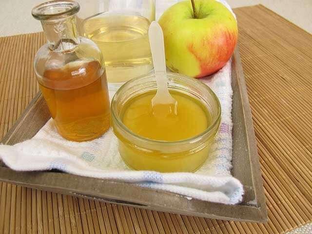 فوائد خل التفاح هي مقشر للجلد