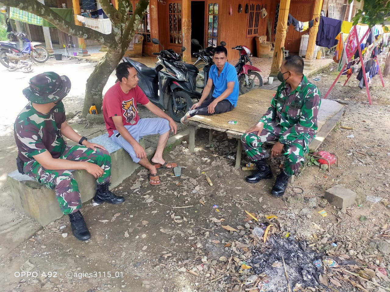 TMMD 110, Letda Letda Inf Abdul Hasan Lakukan Komsos Himbau Warga Terapkan Prokes