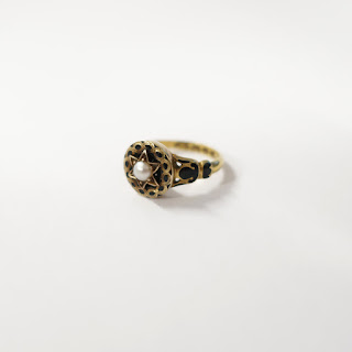 18K Gold and Pearl Ring