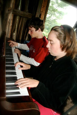 Camp 2010 - piano%2Bworkshop%2B%2528Medium%2529.JPG
