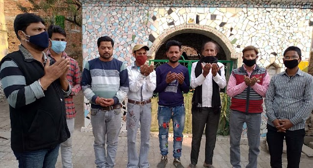 मौलाना कल्बे सादिक के निधन पर जौनपुर के मुस्लिम शोकाकुल