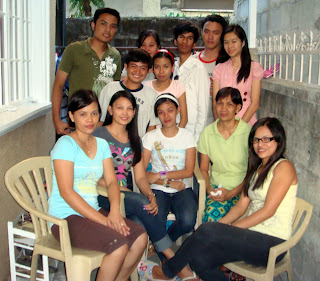 March 14: Analyn Redoblado with Mother and Three Sisters (Antipolo City)