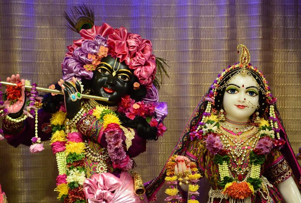 ISKCON GEV Deity Darshan 02 jan 2017 (8)