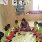 Cup Cake Decoration Activity (Witty World, Nursery) 12.07.17