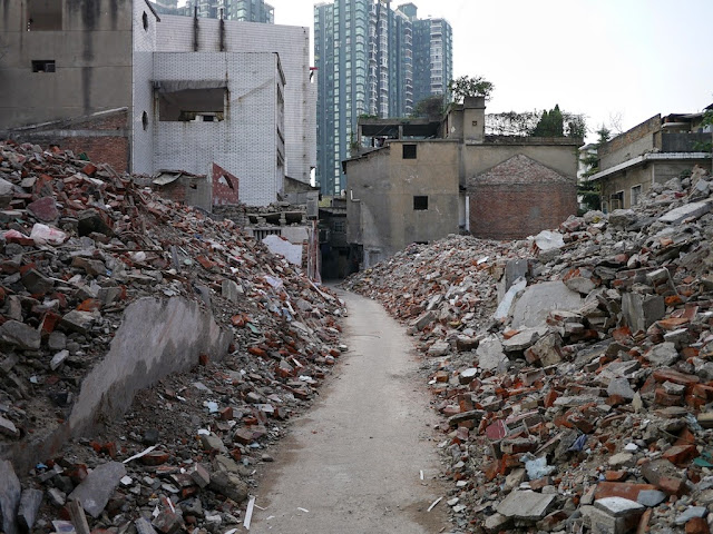 pathway between rubble leading away from Beizheng Street in Changsha