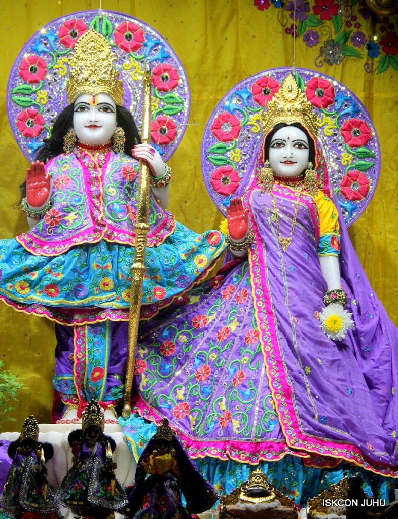 ISKCON Juhu Mangal Deity Darshan on 31st July 2016 (6)