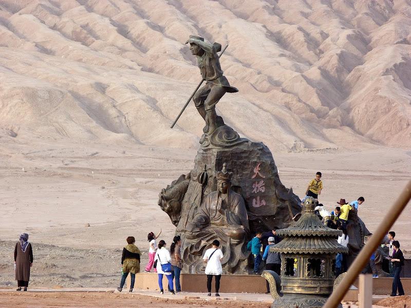 XINJIANG.  Turpan. Ancient city of Jiaohe, Flaming Mountains, Karez, Bezelik Thousand Budda caves - P1280018.JPG