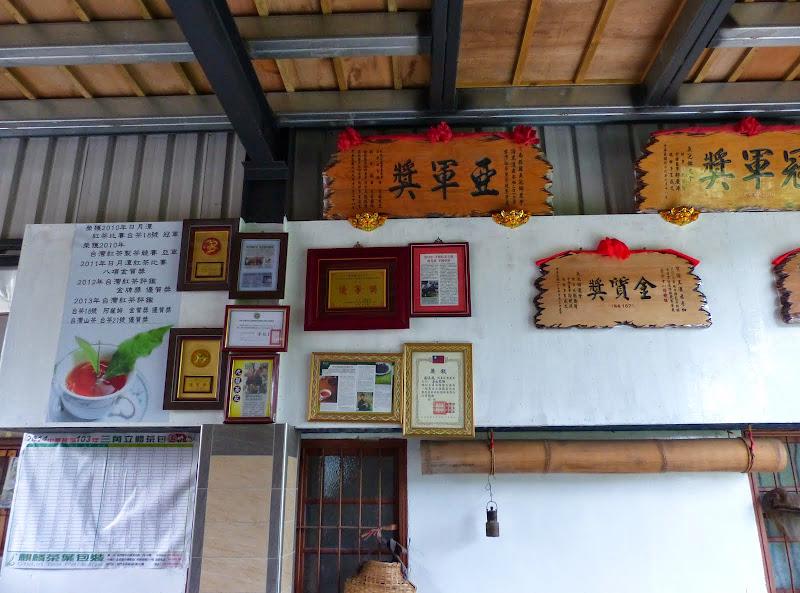 Puli, Nantou county, cueillette de thé - P1050562.JPG