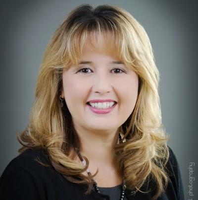 Katherine Mendoza Photo 27