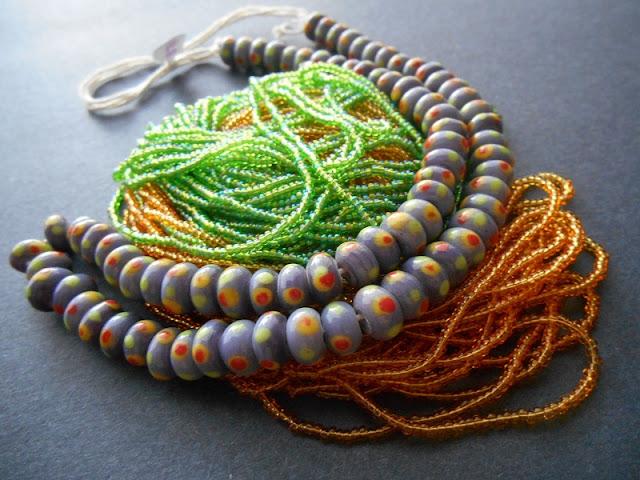 Polka Dot Leaf Bead Color Idea