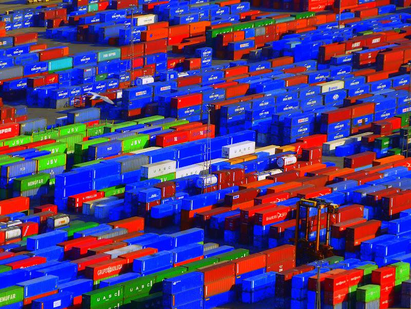 Port industriel de Barcelone de quoi jouer ! P1340877-001