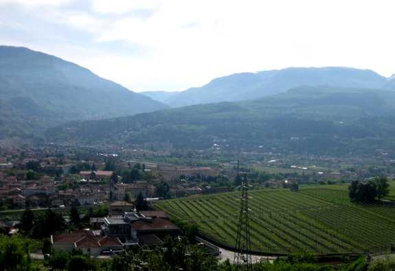 De vallei van de Adige bij Isera