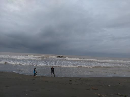 Pantai Pasir Kadilangu