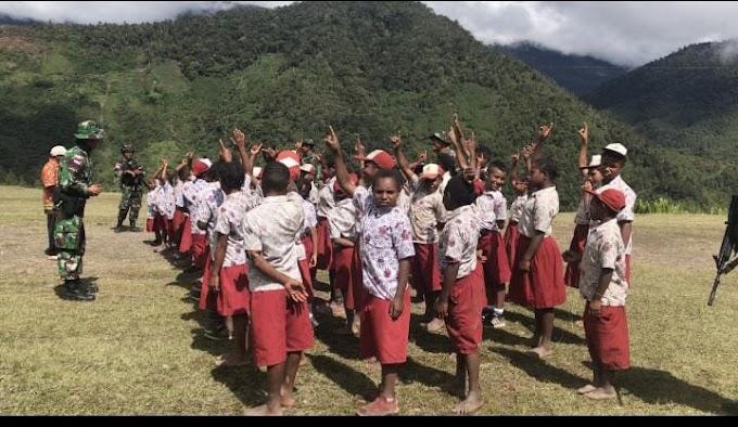 Jelang Hari Jadi Satuan, Satgas Pamtas Yonif 403/WP Ajarkan Pola Hidup Sehat Kepada Pelajar SD di Wilayah Perbatasan RI-PNG