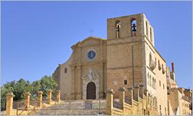 Sizilien - Der Dom von Agrigento an der Piazza Don Giovanni Minzoni.