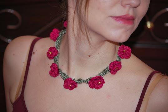Κολιέ, τριανταφυλλάκια,βελονάκι,crochet, necklace