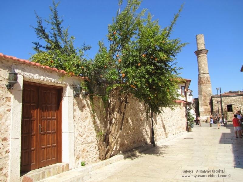 antalya kaleiçi ve kesik minare