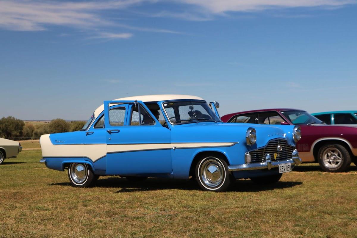 1959 Ford Zephry MK II (02).jpg