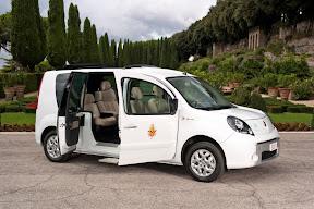 Hybrid Renault Kangoo Popemobile