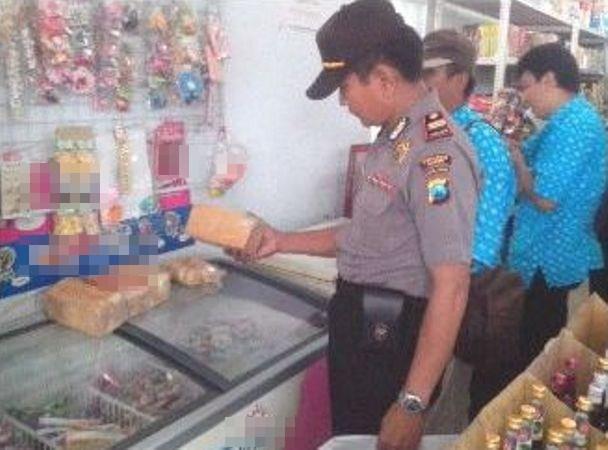 Sidak Minimarket, Petugas Temukan Mamin Expired