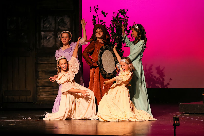 2014Snow White - 60-2014%2BShowstoppers%2BSnow%2BWhite-6091.jpg