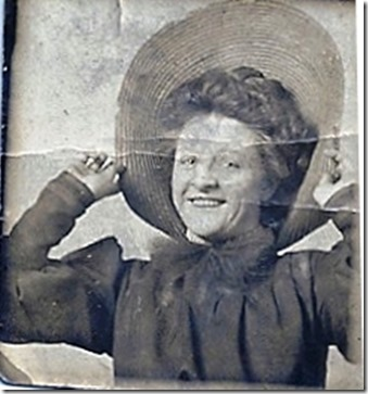 LINDSAY_Marie_in largestraw hat__probably circa 1910-1915_enl