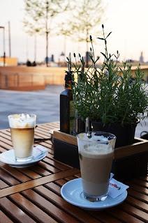 resep minuman spesial cappuccino blend vanilla float