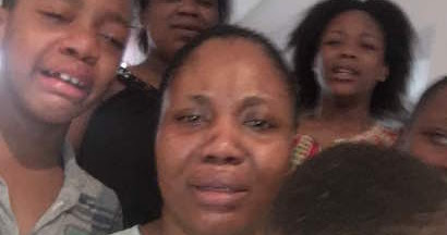 Photo Of Kidnapper Evans' Wife And Kids Crying As They Beg Nigerians For Forgiveness