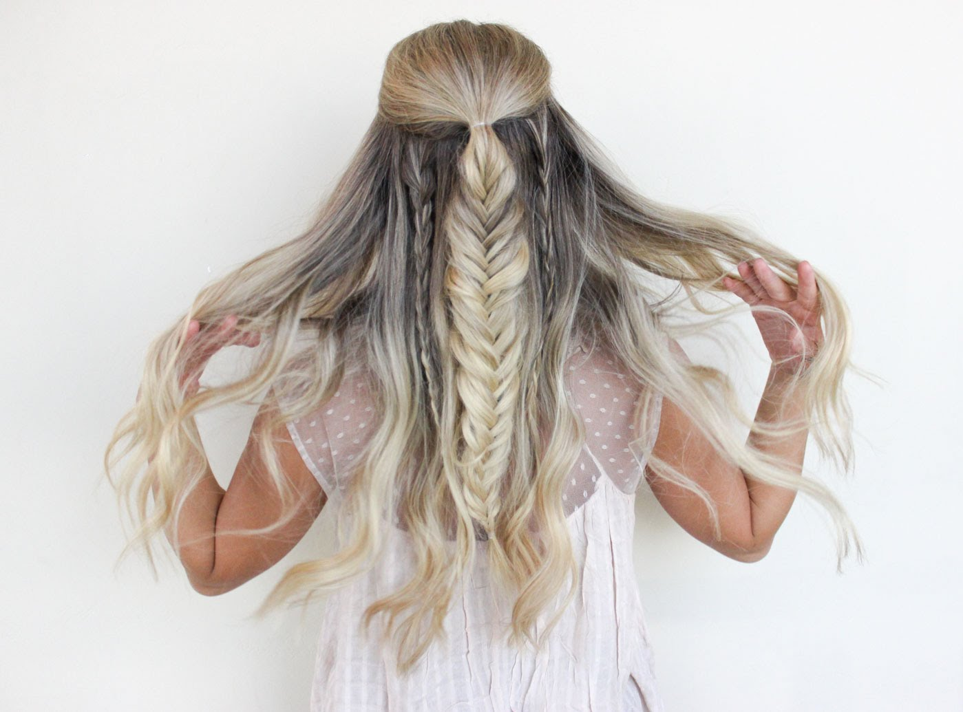 FABULOUS PARTY HAIR STYLES FOR ATTRACTIVE LADIES THROUGH HOLIDAYS 12