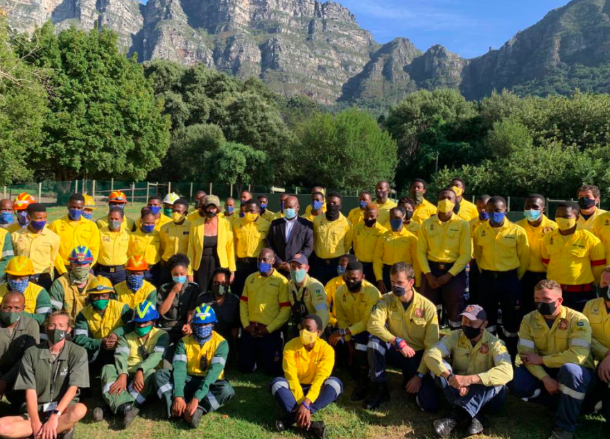 WATCH | 'We salute your bravery': minister Barbara Creecy thanks firefighters as Cape Town fires contained