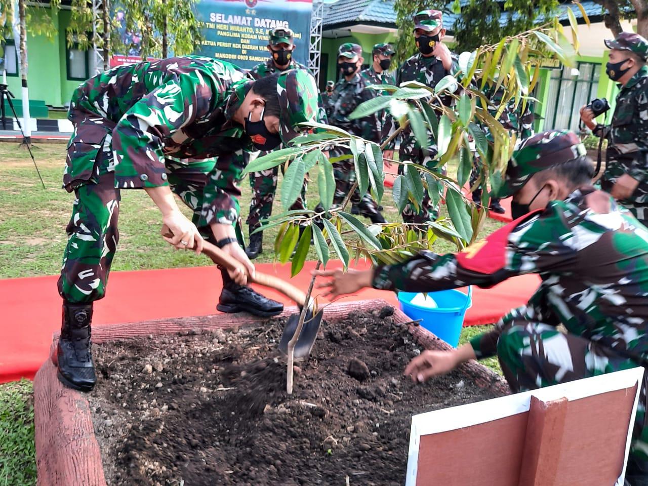 Kunker Perdana Pangdam VI Ke Kutim, Mayjen Heri Wiranto : Landscape Bukit Pelangi Sangat Megah