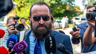 Deputado europeu de extrema-direita renuncia após participar de orgia com 25 homens