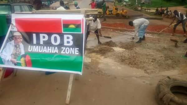 Biafrans Repair Federal Road Linking Umuahia And Aba To Facilitate Easy Movement Of Nnamdi Kanu (Photos)