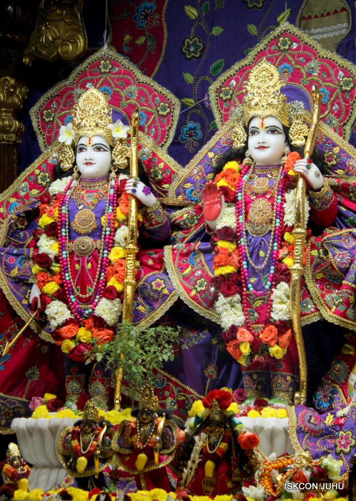 ISKCON Juhu Sringar Deity Darshan on 20th Jan 2017 (27)