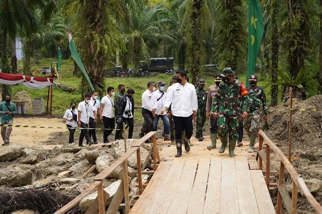 TIGA Unsur TNI Bersama Polri, Laksanakan Program TMMD 2021 Dalam Membangun Negeri.
