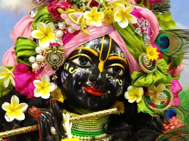 ISKCON Nigdi Deity Darshan 17 Dec 2015 (3)