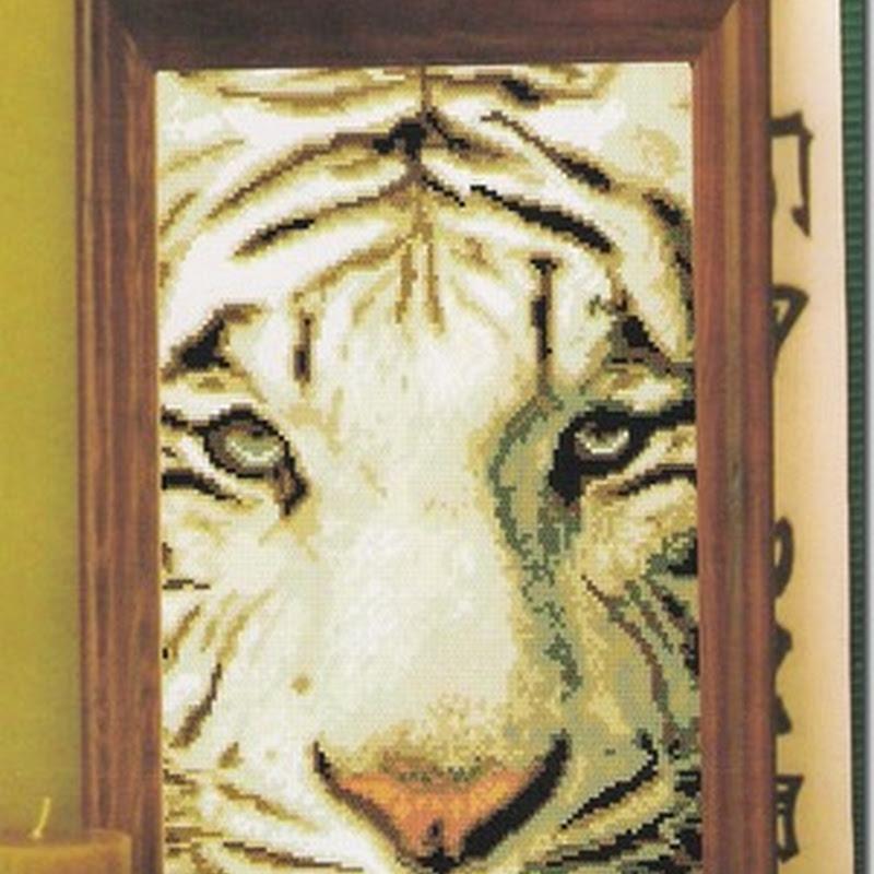 Esquemas de tigres en punto de cruz