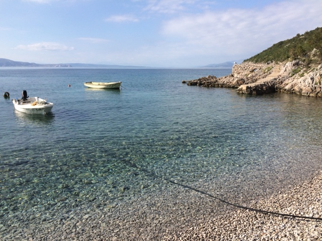 After that storm passed us (on the coast of Croatia) everything was blissfully peaceful. And we decided to 'stay put' another night.Check out how clear the sea is, and calm like a lake!
