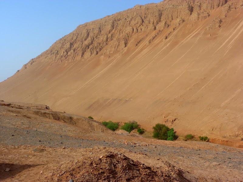 XINJIANG.  Turpan. Ancient city of Jiaohe, Flaming Mountains, Karez, Bezelik Thousand Budda caves - P1270925.JPG
