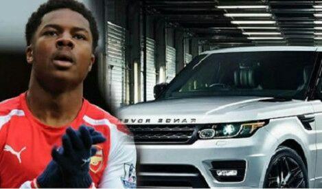 Nigerian born Arsenal player Crashes his 60,000 euros Range Rover