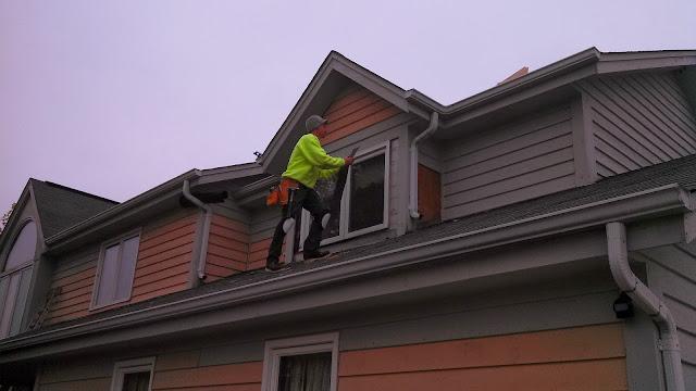 Carpentry - replace damaged cedar siding/Menomonee Falls - IMG_20131030_120219_826.jpg
