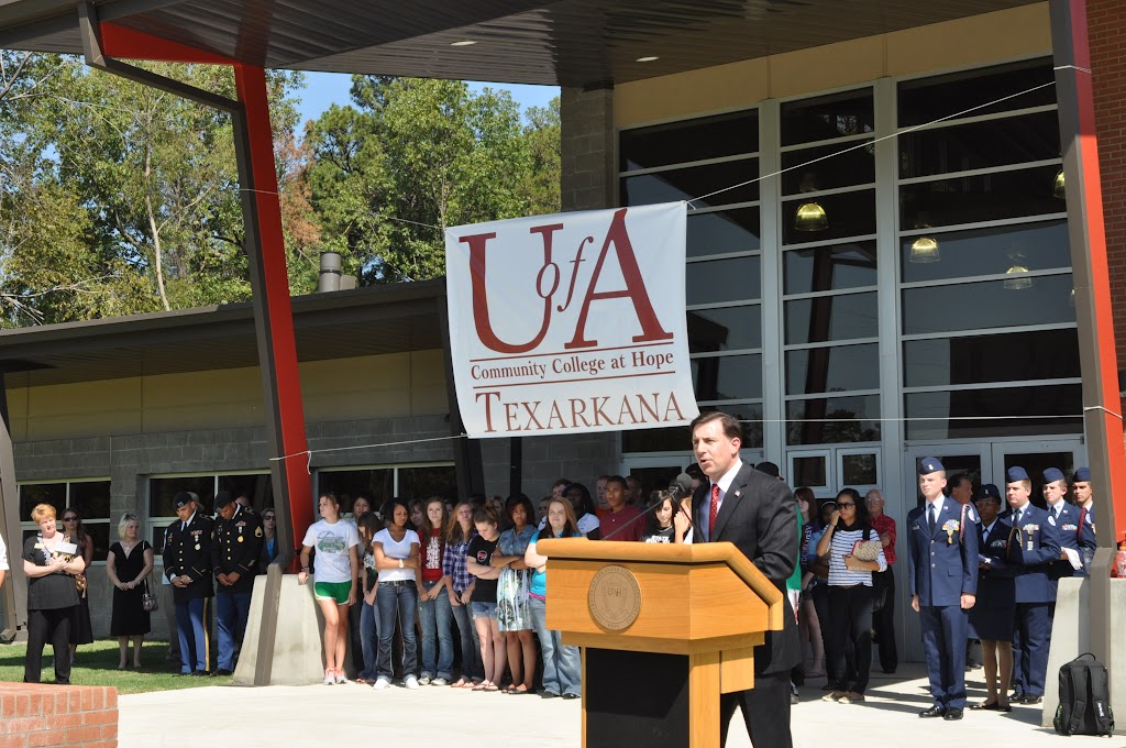 UACCH-Texarkana Ribbon Cutting - DSC_0361.JPG