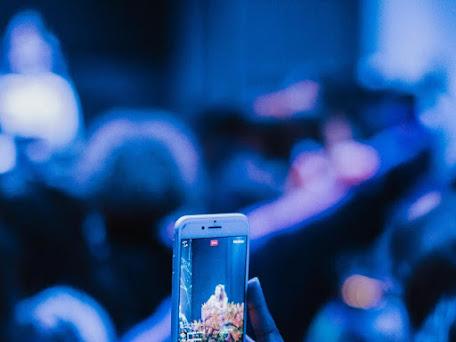 Dampak yang Disebabkan oleh Blue Light pada Gadget