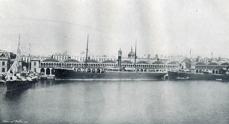 El vapor TURIA. De la Memoria del Puerto de Barcelona. Año 1906.jpg