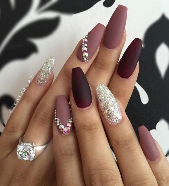LATEST SHAPES OF WINTER NAIL ART IN 2018 2