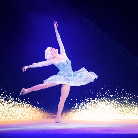 Disney frozen on ice elsa skating