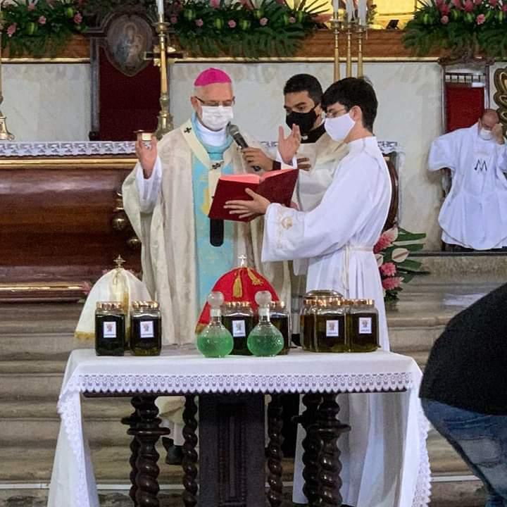 Em dia de festividade a Nossa Senhora das Neves, Dom Manoel Delson presidiu a Missa dos Santos