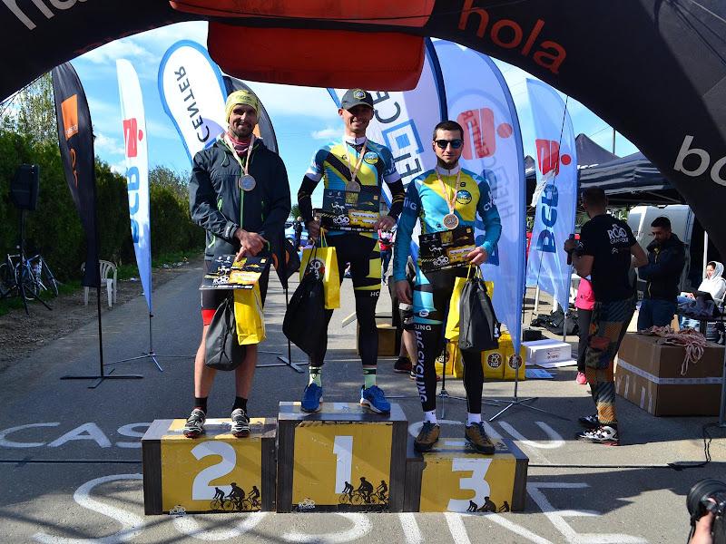 Pseudo-podiumul la categoria 30-40, practic pe treptele podiumului sunt locurile 3, 4 si 5 de la categorie.