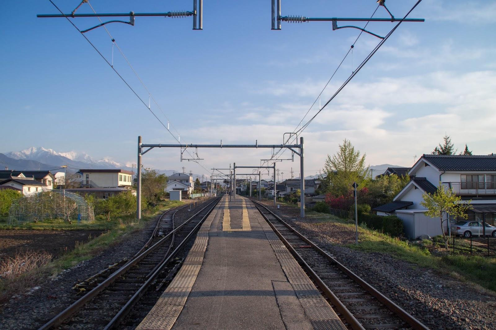 5:47 一人ぼっちの信濃松川駅
