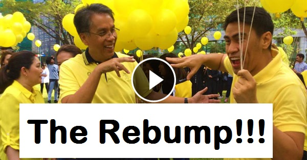 Image of Mar Roxas and Ramon Bautista Fist Bump